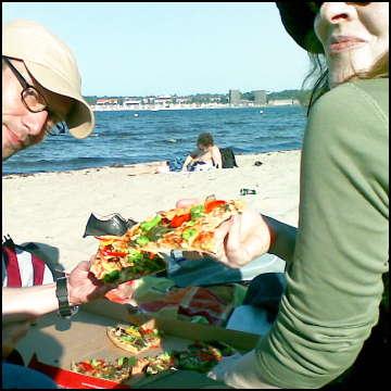 Pizza am Ostseestrand
